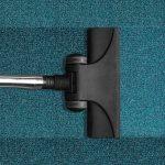 vieze geur uit tapijt verwijderen